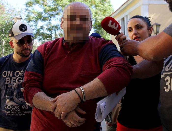 """Δίωξη και για παιδική πορνογραφία στον βασανιστή της φοιτήτριας στη Δάφνη – Το """"ύποπτο"""" υλικό που βρέθηκε"""