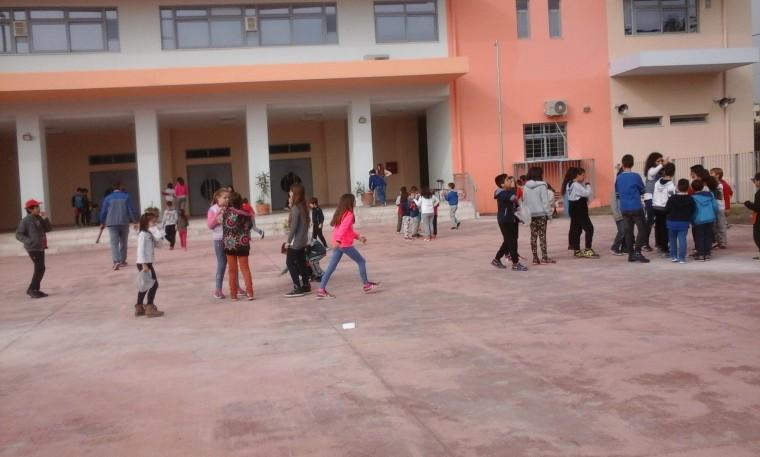 Σοκ στην Εύβοια – Διευθυντής δημοτικού σχολείου κατηγορείται για σεξουαλική παρενόχληση μαθητών
