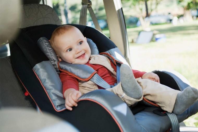 Νοικιάστε με 15 ευρώ παιδικό κάθισμα και εξασφαλίστε την ασφάλεια του παιδιού στο αυτοκίνητό σας