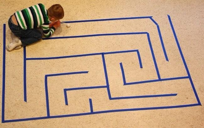 10 διασκεδαστικά παιχνίδια για τα παιδιά στο σπίτι όταν ο καιρός είναι βροχερός ή έξω έχει κρύο