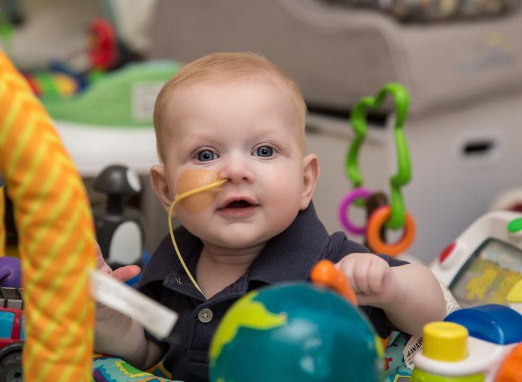 Ο 6 μηνών Ηλίας πρέπει να υποβληθεί σε μεταμόσχευση μυελού των οστών- Η δραματική έκκληση της μητέρας του