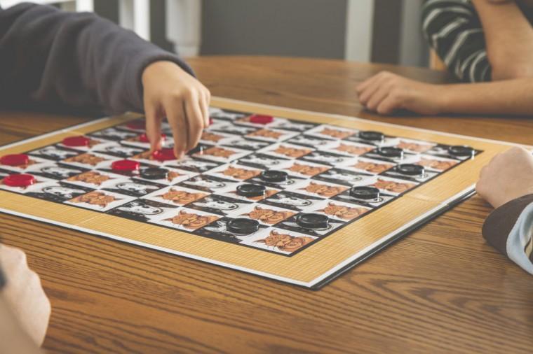 Πού θα πάτε για επιτραπέζια παιχνίδια με τα παιδιά: 5 στέκια για όλη την οικογένεια