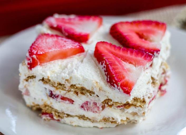 5 λαχταριστά, δροσερά γλυκά με φράουλες που θα λατρέψουν τα παιδιά μας!
