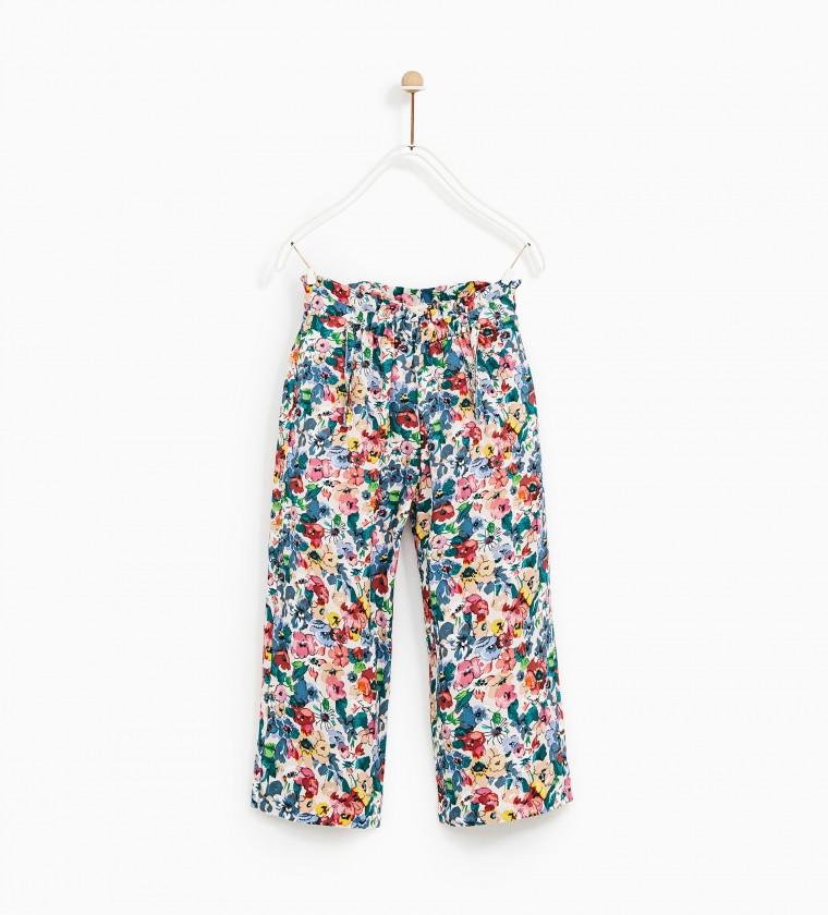 2ff56d0d71e Τα αέρινα παντελόνια φοριούνται άνετα αυτή την εποχή, αλλά και το φθινόπωρο!