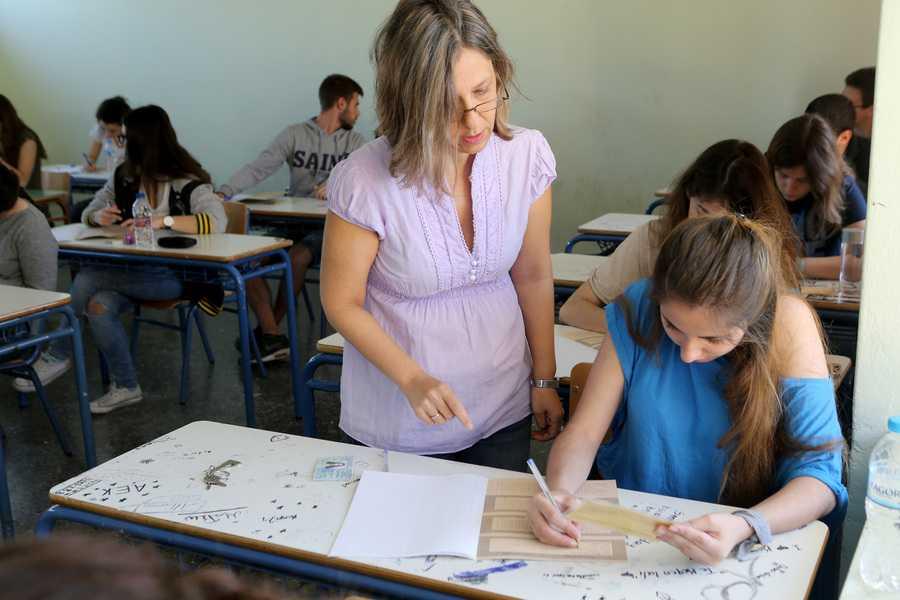 Πανελλήνιες 2018: Αυτά είναι τα θέματα και οι λύσεις σε Μαθηματικά και Αρχαία Ελληνικά
