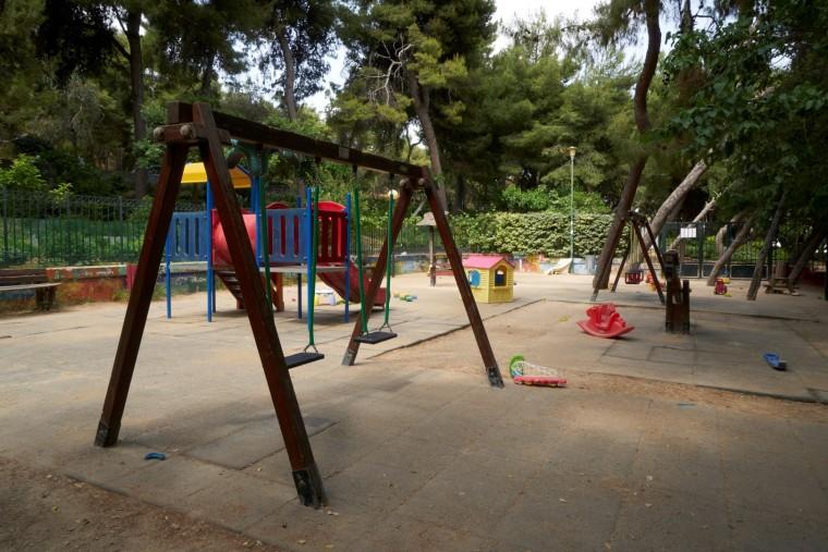 Αυτές είναι οι 12 σύγχρονες και ασφαλείς παιδικές χαρές που μόλις εγκαινίασε ο Δ. Αθηναίων