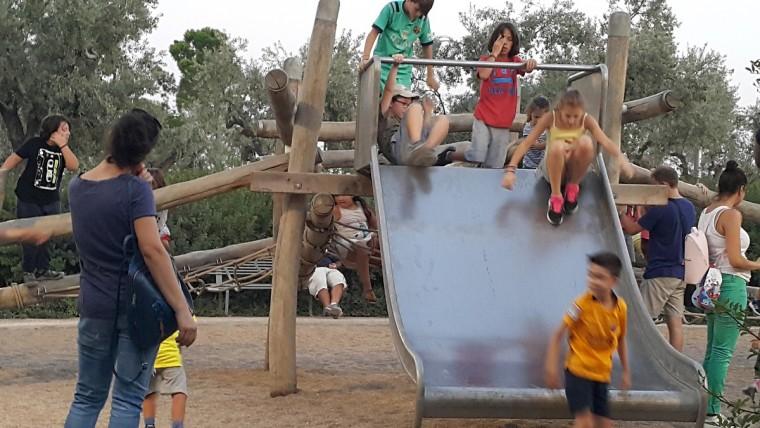 3 πρωτότυπες παιδικές χαρές για να παίξουν τα παιδιά με ασφάλεια φέτος το καλοκαίρι!
