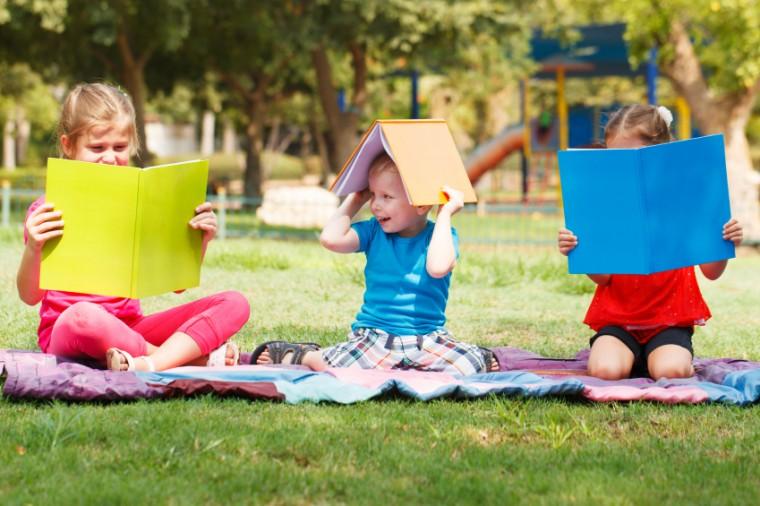 5 τέλεια βιβλία για τα παιδιά που ετοιμάζονται για κατασκήνωση!