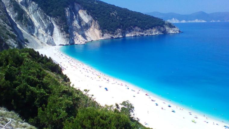 Αυτές είναι οι 38 ελληνικές παραλίες που έχασαν την Γαλάζια Σημαία τους