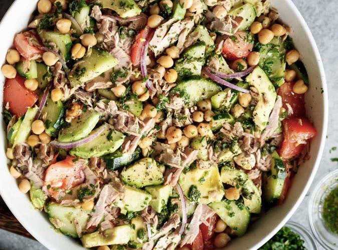 5 θρεπτικές σαλάτες για να χάσουμε σωστά τα κιλά των διακοπών