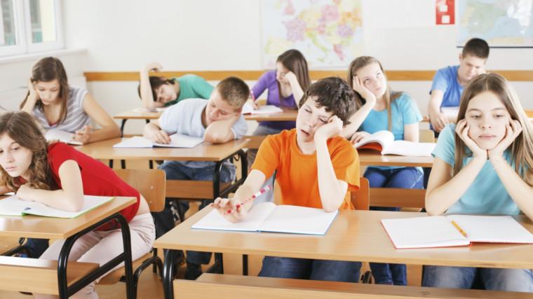 Κώστας Γαβρόγλου: «Τα σχολεία θα ξεκινούν στις 9 για να προλαβαίνουν τα παιδιά να φάνε πρωινό»