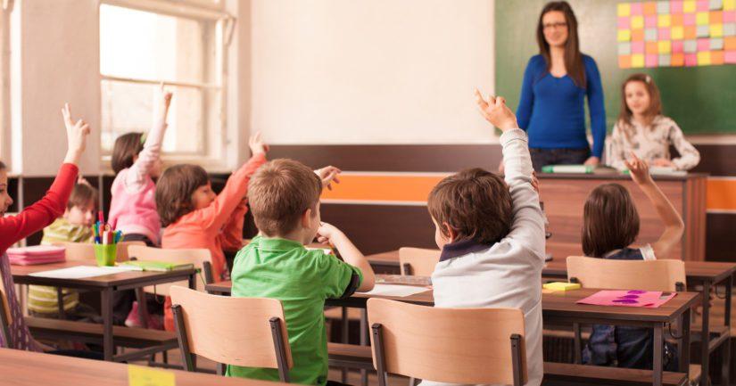 «Η αλλαγή σχολικού ωραρίου θα βελτιώσει τις επιδόσεις των μαθητών» σύμφωνα με το υπ. Παιδείας
