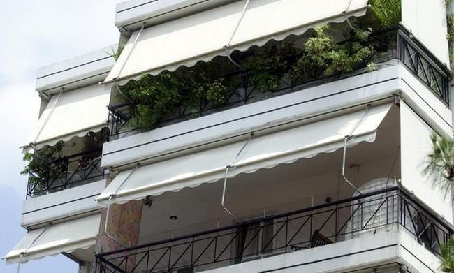 Σοκ στη Λαμία: Κοριτσάκι 4 ετών έπεσε στο κενό από μπαλκόνι