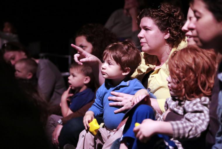 ... της χώρας έχουν ετοιμάσει μια ευρεία γκάμα προσεγμένων βρεφικών  θεατρικών παραστάσεων θέλοντας να μυήσουν τα μωράκι μας στον μαγικό κόσμο  του θεάτρου. 07cd30dee18