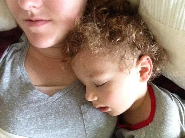Κοιμάται το παιδί σας με ανοιχτό το στόμα  Προσέξτε το  5b04390980d