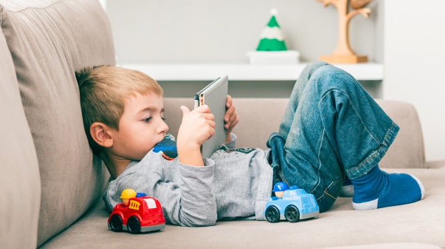 6 Online εκπαιδευτικά παιχνίδια για να διασκεδάσουν τα παιδιά στις διακοπές των Χριστουγέννων