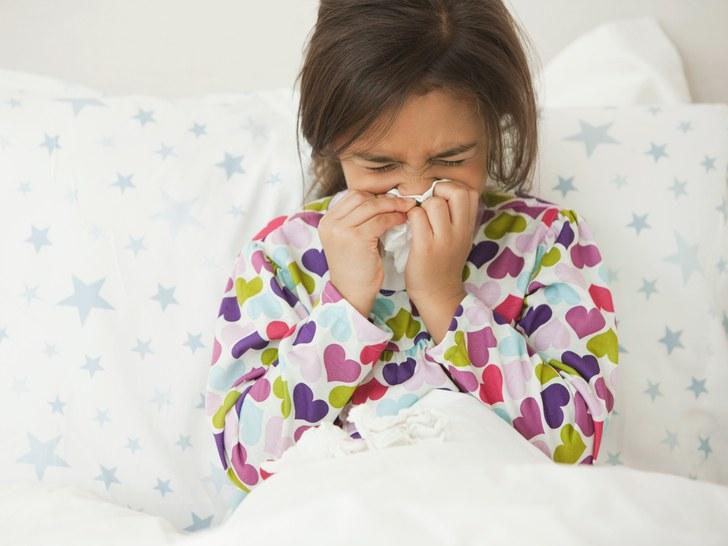 Αυτά είναι τα πιο έντονα συμπτώματα των ιώσεων που κυκλοφορούν αυτές τις μέρες, σύμφωνα με τον παιδίατρο