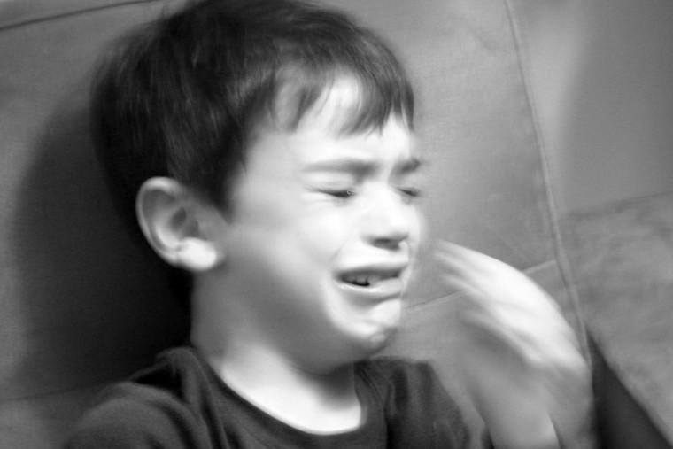«Τον αγαπώ όταν δεν είναι κακός» ψέλλισε ο 9χρονος που έφαγε ξύλο από τον μπαμπά του
