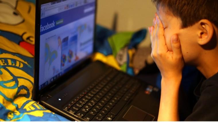 Αυτές είναι οι 10 επικίνδυνες συνήθειες που έχουν τα Ελληνόπουλα στα social media