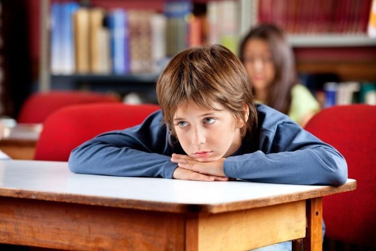 """""""Ο καθηγητής του γιού μου τον προσβάλλει διαρκώς στην τάξη. Τι να κάνω;"""""""