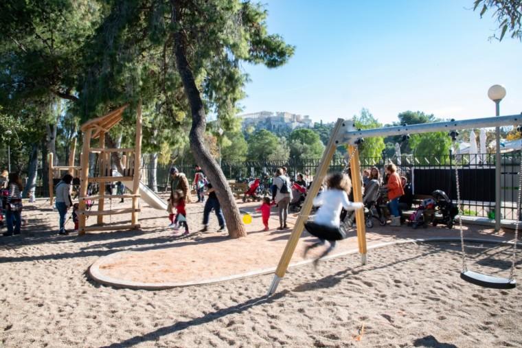 Δ. Αθηναίων: Με τον ερχομό της Άνοιξης παραδίδονται και 16 ολοκαίνουργιες παιδικές χαρές