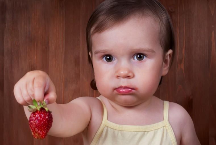 Πώς θα αποτρέψουμε τις τροφικές αλλεργίες στα παιδιά μας; Νέες οδηγίες των παιδιάτρων
