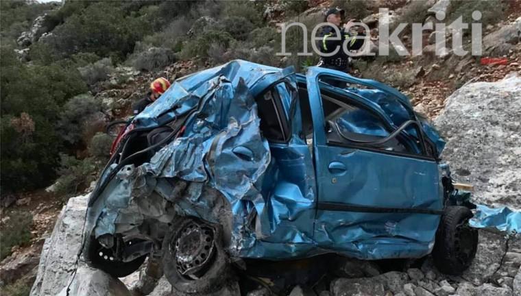 Τροχαίο σοκ στην Κρήτη: Μητέρα έπεσε σε γκρεμό με τα δυο παιδιά της