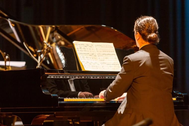 «Το piano στα forte του»: Συνεχίζεται για 5η χρονιά ο κύκλος συναυλιών που μας ταξιδεύει με ένα πιάνο (από 11/5)