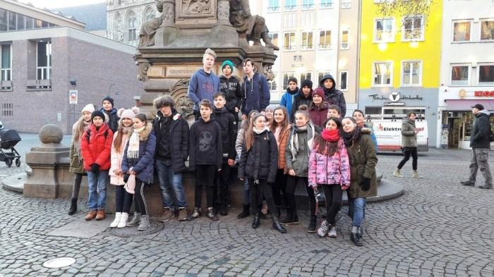 Καλοστημένη απάτη με τις σχολικές εκδρομές – Θύματα 15 σχολεία – Πήραν δεκάδες χιλιάδες ευρώ από μαθητές