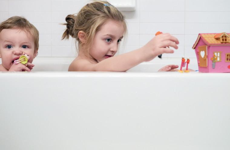 Παιδί και σεξουαλικότητα: Πότε ξεκινάει και πότε χρειάζεται όρια;