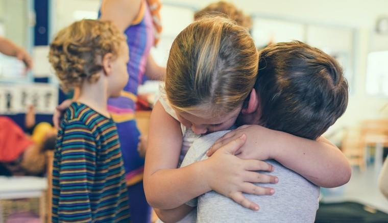 Μήπως και τα Ελληνόπουλα πρέπει να παρακολουθούν μαθήματα ενσυναίσθησης στο σχολείο;