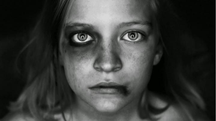 Χανιά: Σοκάρει η κακοποίηση μαθήτριας από την μάνα και τον πατριό της – Την πλάκωναν στο ξύλο διαρκώς