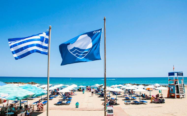 Αυτές είναι οι παραλίες που κέρδισαν την πολυπόθητη Γαλάζια Σημαία για το 2019