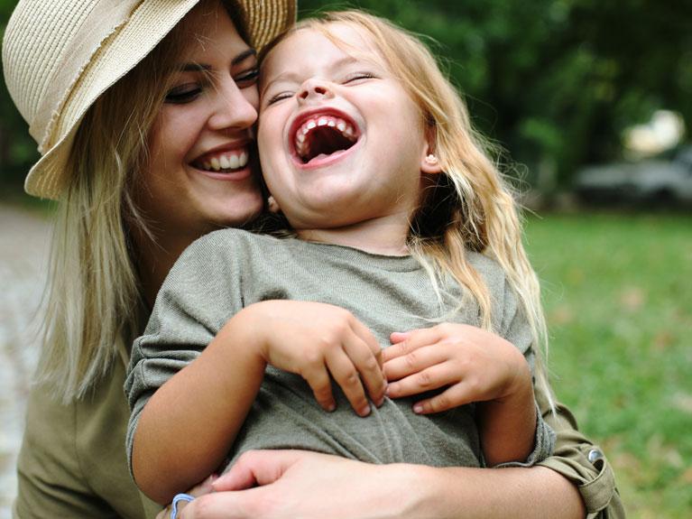 Το μυστικό για να κάνεις ένα παιδί να γελάσει, από έναν παιδικό σατυρικό συγγραφέα