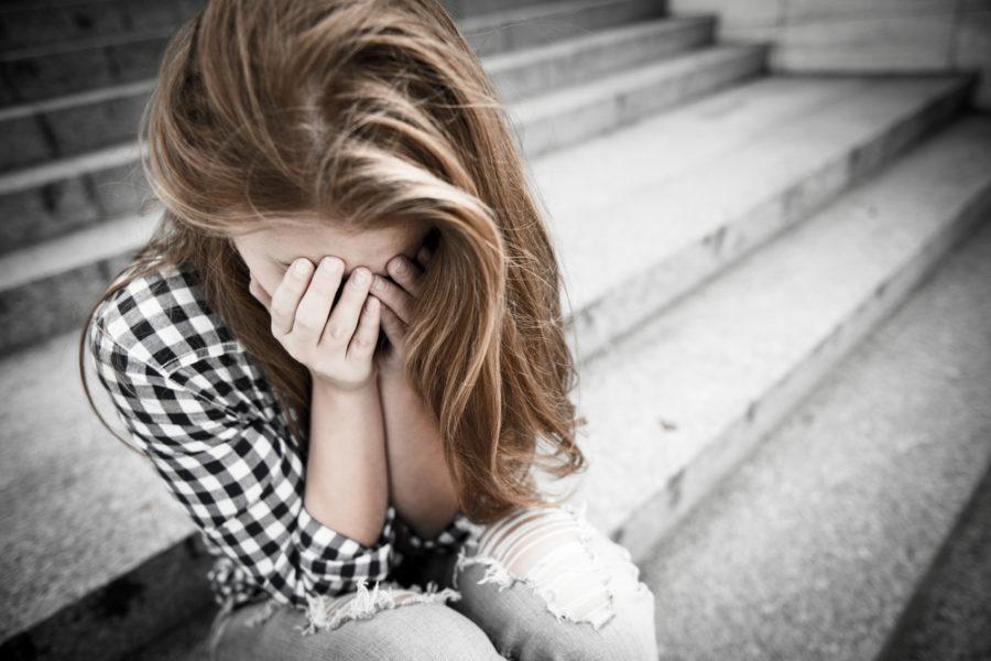 """Μοσχάτο: Ανατροπή στην αυτοκτονία της 14χρονης – Τι την """"έσπρωξε"""" να βουτήξει στις ράγες"""