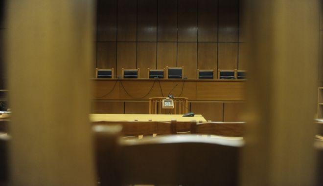 Ανατροπή! H μάνα σκηνοθέτησε την σεξουαλική κακοποίηση της κόρης για να εκδικηθεί τον πατέρα