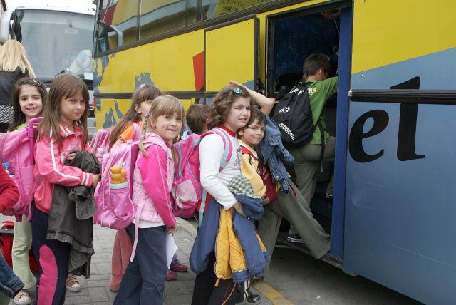 Υπ. Παιδείας: Αλλάζει το καθεστώς των σχολικών εκδρομών – Τι θα γίνει τελικά με τη διχρονη προσχολική αγωγή
