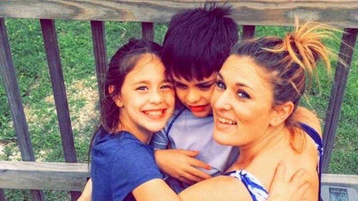 """""""Στεκόμουν στο 1 μέτρο από το παιδί μου όταν πνίγηκε"""": Η αληθινή ιστορία που πρέπει να μας γίνει μάθημα"""