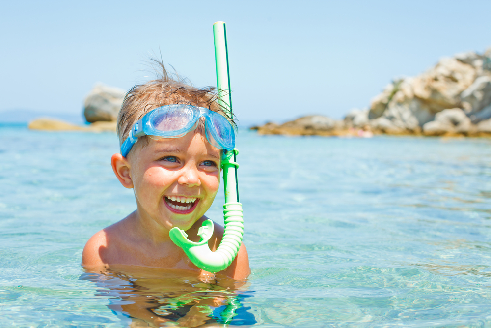 Έκζεμα και κολύμβηση: Όλα όσα πρέπει να ξέρετε αν το παιδί σας έχει ατοπική δερματίτιδα