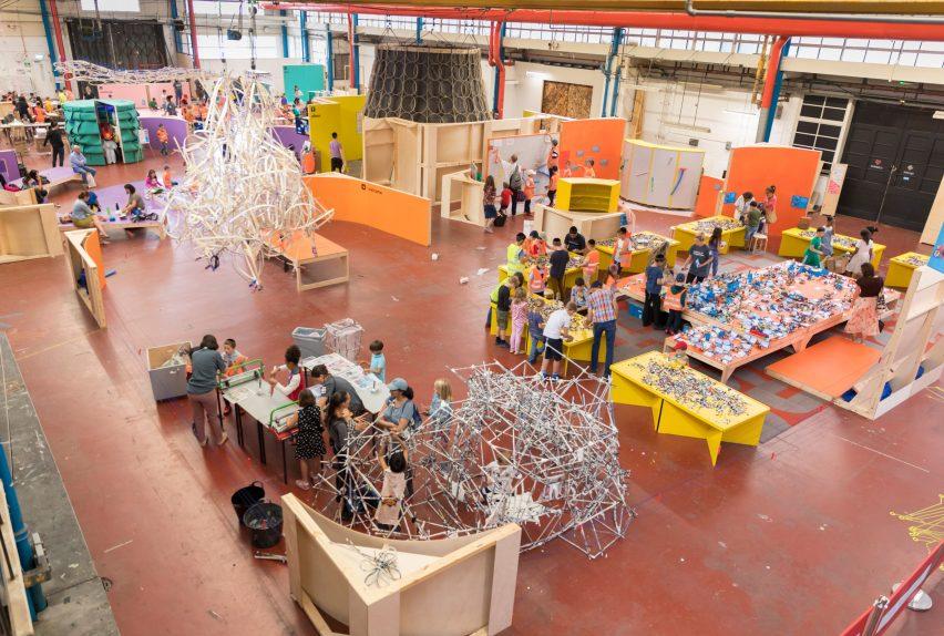 Το Λονδινό αποκτά έναν εντυπωσιακό παιδικό χώρο για κατασκευές και πειράματα! (φωτογραφίες)