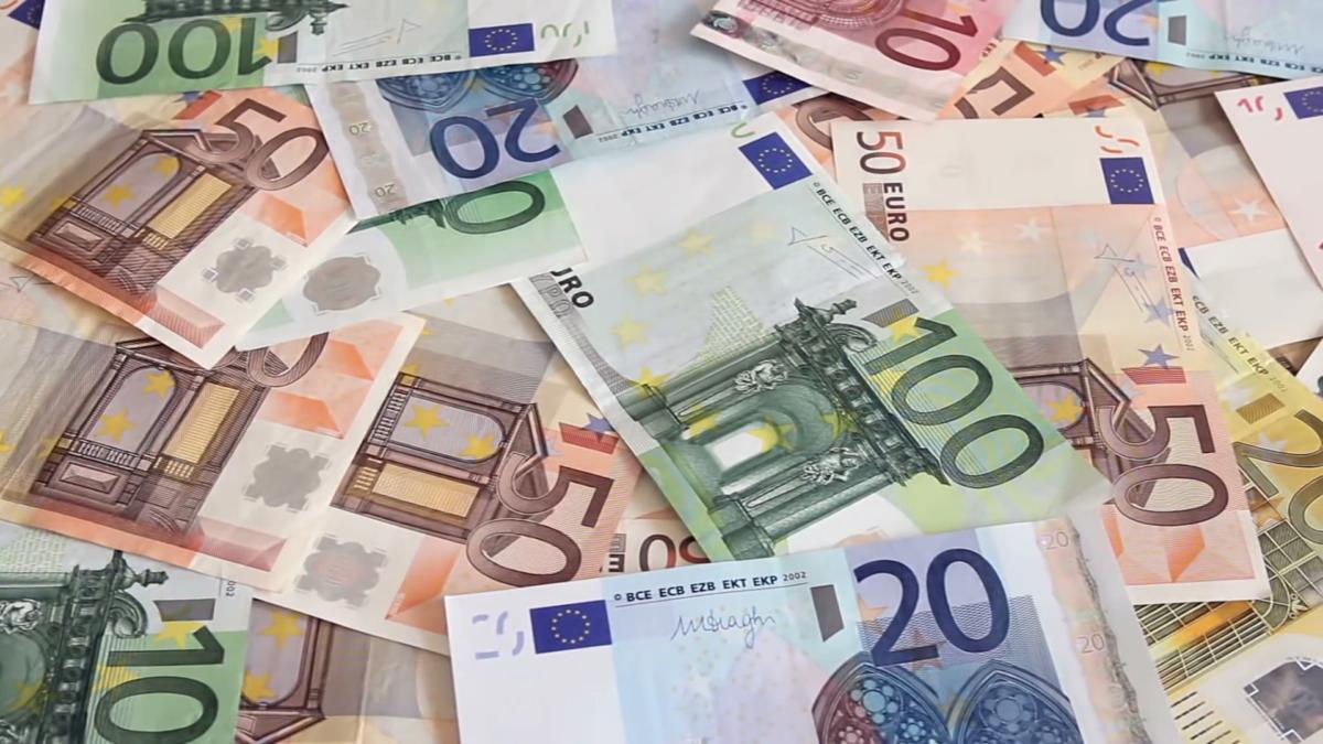 Μόλις ανακοινώθηκε! Αυτοί θα είναι οι δικαιούχοι του επιδόματος των 2.000 ευρώ για κάθε γέννα το 2020