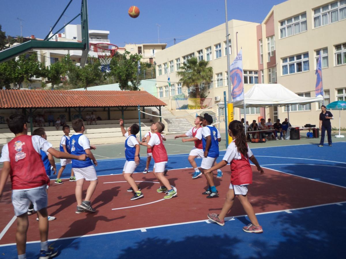 Οι διευθυντές προειδοποιούν: Τα 2 πράγματα που πρέπει να γίνουν σε όλες τις σχολικές αθλητικές εγκαταστάσεις