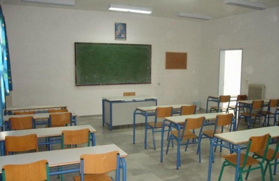 """""""Το κράτος δεν διορίζει δασκάλους. Χρειάζεται αστυνόμους και παπάδες"""":  Το ξέσπασμα για τις ελλείψεις στα σχολεία"""