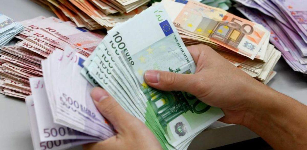 Το επίδομα των 2.000 ευρώ για κάθε γέννηση θα δίνεται και στους μετανάστες