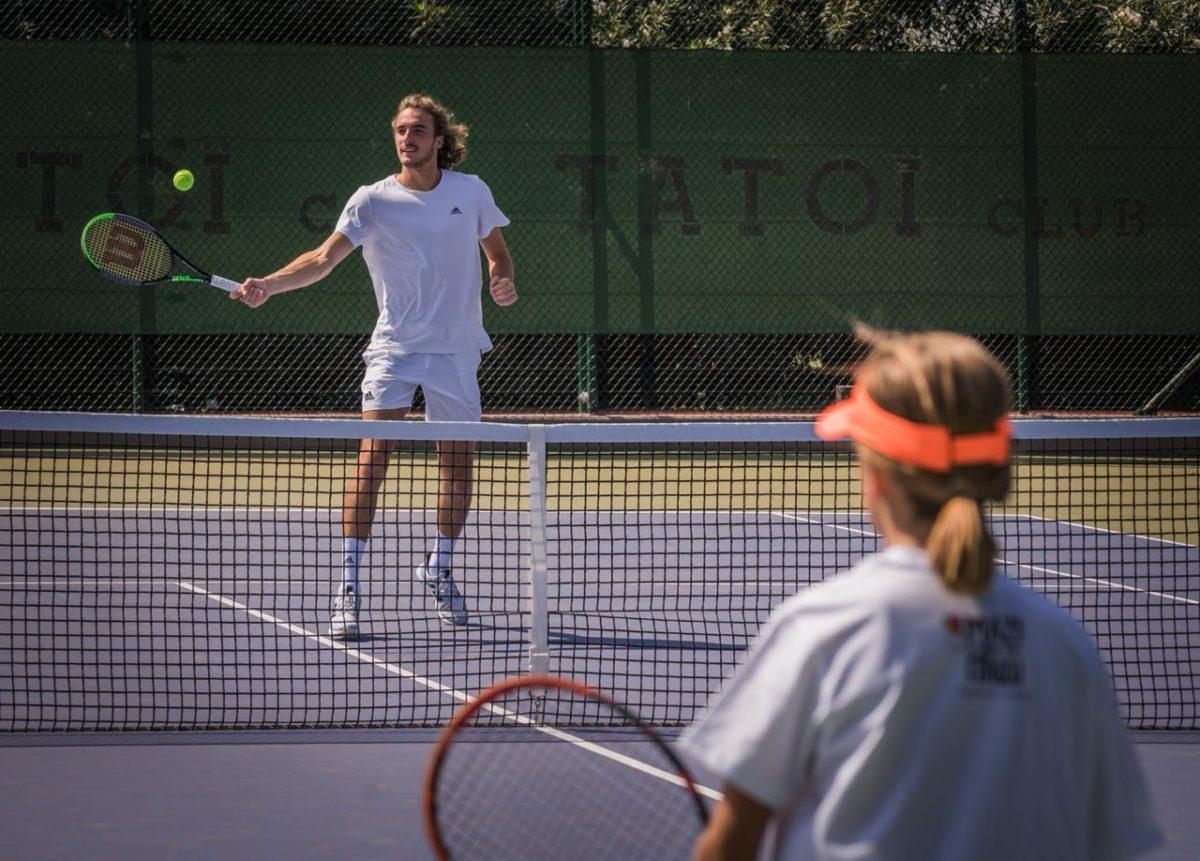 Στέφανος Τσιτσιπάς: Έπαιξε τένις με τα παιδιά του Μαζί για το παιδί και μοιράστηκε όλα τα μυστικά του