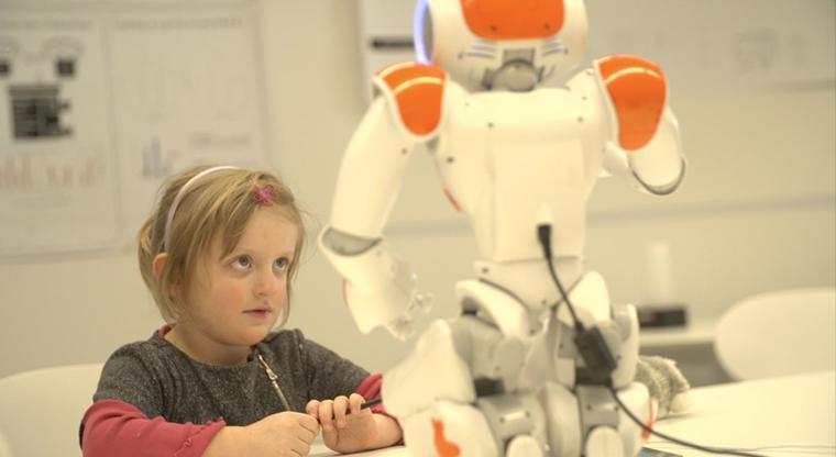 Σε αυτό το ελληνικό νοσοκομείο τα παιδιά με μαθησιακές δυσκολίες θα εξετάζονται από …ρομπότ!