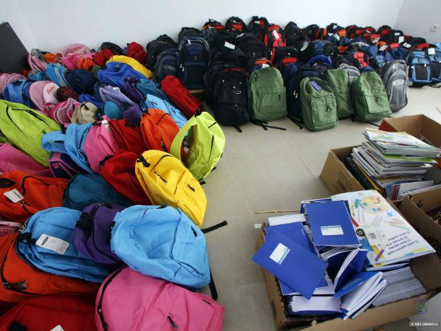 Αυτοί οι Δήμοι συγκεντρώνουν σχολικές τσάντες και σχολικά είδη για τα παιδιά άπορων οικογενειών