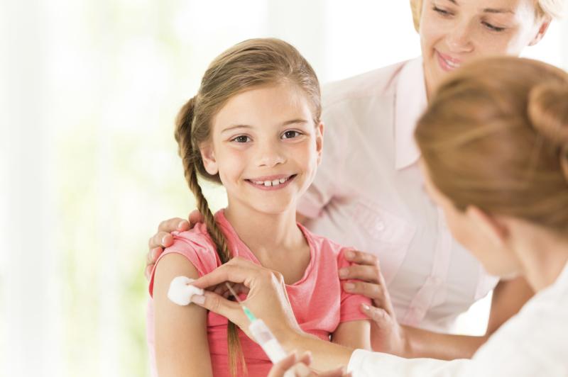 Βασίλης Κικίλιας: Εξετάζουμε το ενδεχόμενο υποχρεωτικού εμβολιασμού για την ιλαρά