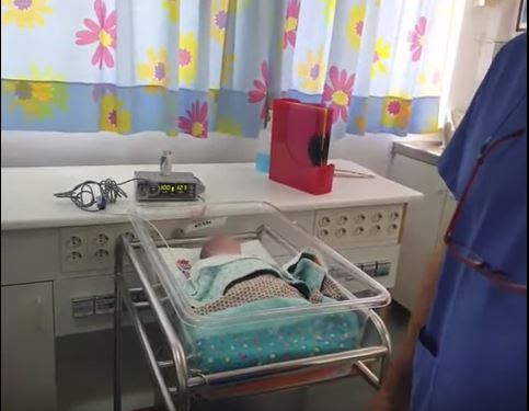 Ποια ποινή επέβαλε το δικαστήριο στην 19χρονη που επιδίωξε να πουλήσει το μωρό της – Ποια η τύχη του βρέφους