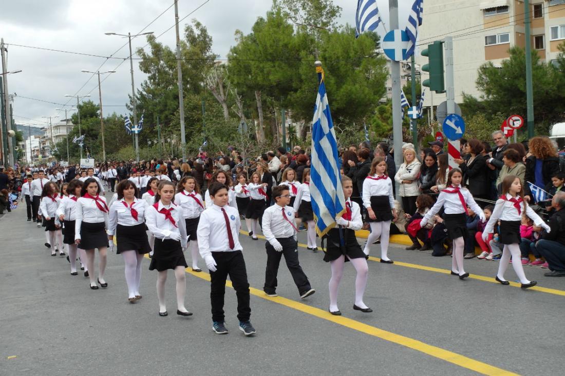 Νίκη Κεραμέως: «Ο καλύτερος μαθητής θα σηκώνει τη σημαία στην παρέλαση»